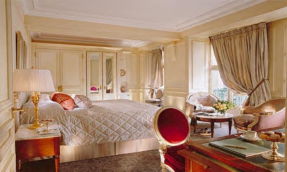 Miegamojo-kambario-interjero-idejos-klasikinio-stiliaus-lubu-dekoravimas-apdailos-juostomis-sienines-juostos-1